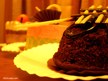 iskandals-cakes2.jpg