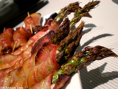 iskandals-bacon-wrapped-asparagus.jpg