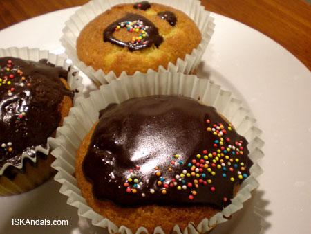 iskandals-cupcakes2.jpg