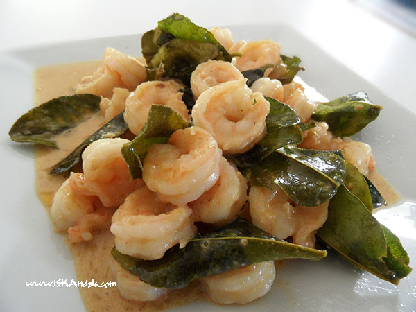 Buttered Prawns with Salted Egg Sauce